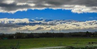 Sierra Nevada między chmurami zdjęcia stock