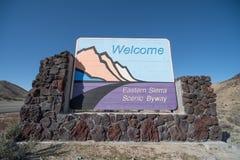 Sierra Nevada orientale segno dentro la California Fotografia Stock Libera da Diritti