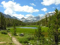 Sierra Nevada See lizenzfreie stockfotos