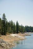 Sierra paysage au lac shaver, la Californie photo stock