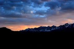 Sierra puesta del sol Foto de archivo libre de regalías