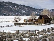 Sierra rancho del valle en invierno imagenes de archivo