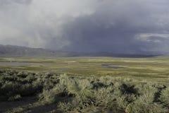 Sierras del este montañas y aguas termales de Whitmore de los desiertos imágenes de archivo libres de regalías