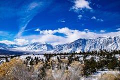 Sierras Nevado en Sunny Day foto de archivo