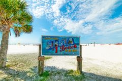 Free Siesta Beach Sign On A Clear Day Royalty Free Stock Photos - 152035198