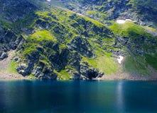 Siete lagos del rila oscilan concepto fresco del realx de la primavera de la estación del panorama del fondo Fotografía de archivo