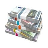 Siete paquetes de notas euro con la envoltura de la batería Imágenes de archivo libres de regalías