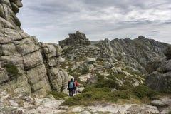 Siete Picos七峰顶范围的远足者 免版税库存照片