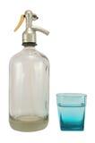 Sifón-botella con el vidrio Foto de archivo libre de regalías