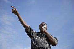 Sifflement de soufflement d'arbitre du football et pointage, portr Images libres de droits