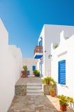 Sifnos的五颜六色的巷道,希腊 免版税库存图片