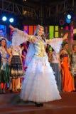 Sig.na Kirghizstan con il costume nazionale Fotografia Stock Libera da Diritti