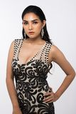 Sig.na Pageant Contest nell'anche il vestito da palla lungo dell'abito di palla con Diamond Crown, modo compone lo stile di capel fotografia stock