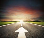 Siga el camino al éxito imagen de archivo