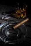 Sigaar en Whisky Stock Afbeeldingen