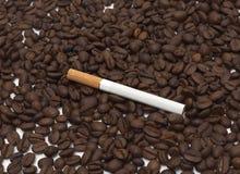 Sigaretta e caffè Immagine Stock Libera da Diritti