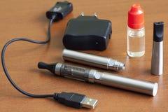 Sigaretta elettronica Fotografie Stock Libere da Diritti