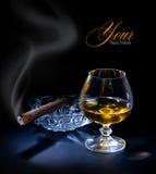 Sigaro e cognac fotografie stock libere da diritti