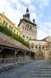 Sighisoara-Glockenturm und der Durchgang der alten Frauen Lizenzfreies Stockfoto