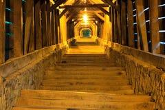 Sighisoara, innerhalb des abgedeckten Treppenhauses Lizenzfreie Stockfotos