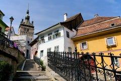 Sighisoara medeltida gata, Rumänien Fotografering för Bildbyråer