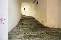 Sighisoara medeltida stad, Rumänien passage Arkivbilder