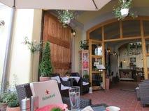 Sighisoara, Roemenië, 24 juni 2016: Het binnenland van het pensioenrestaurant van de Middeleeuwse Stad Sighisoara in Roemenië Stock Fotografie