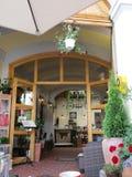 Sighisoara, Roemenië, 24 juni 2016: Het binnenland van het pensioenrestaurant van de Middeleeuwse Stad Sighisoara in Roemenië Royalty-vrije Stock Fotografie