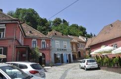 Sighisoara, Roemenië, 24 juni 2016: Historische Huizen van de Middeleeuwse Stad Sighisoara in Roemenië Royalty-vrije Stock Foto