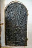 SIGHISOARA, TRANSYLVANIA/ROMANIA - 17 DE SEPTIEMBRE: Puerta antigua i foto de archivo libre de regalías