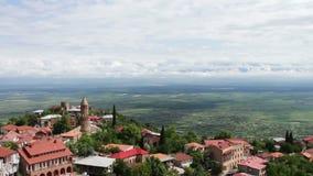 Sighnaghi, Geórgia Vista panorâmica na paisagem da cidade , Vista da parte superior de um vale pitoresco de Alazani video estoque