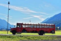 Sightbuss i Kranjska Gora i Slovenien Arkivfoton