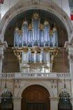 Sightseeing van Parijs Muzikaal orgaan in de Nationale Woonplaats van Invalids stock afbeelding