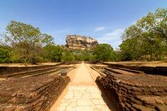 Sigiriya狮子的岩石堡垒在斯里南卡 免版税库存照片