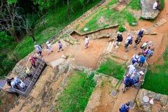 Sigiriya/étapes à Sigiriya/à photo montrant les étapes menant à Sigiriya& x27 ; dessus de s, Sri Lanka rentré, le 25 janvier 2018 Photos libres de droits
