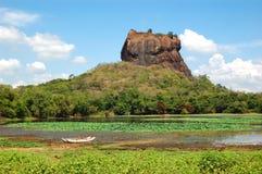Sigiriya (狮子的岩石)是一个古老岩石堡垒 库存照片