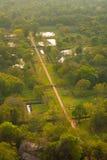 Sigiriya arbeta i trädgården överblick ner från överkant royaltyfria foton