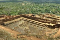Sigiriya Sri Lanka - lion'sen vaggar, vaggar fästningen Royaltyfri Foto