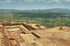 Sigiriya Sri Lanka - lion'sen vaggar, vaggar fästningen Royaltyfri Bild