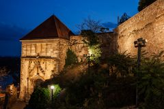 Sigismund布拉索夫城堡门和墙壁  免版税库存照片