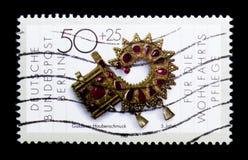 Siglo V de oro del ornamento de la capilla, bienestar: Oro y silversmithingserie, circa 1987 Fotografía de archivo