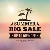 Sigm för adverisement för sommarförsäljningsaffär på suddig bakgrund Arkivbilder