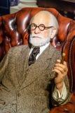 Sigmund Freud Figurine At Madame Tussauds vaxmuseum arkivfoton