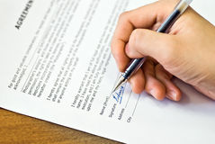 Sign agreement Royalty Free Stock Image