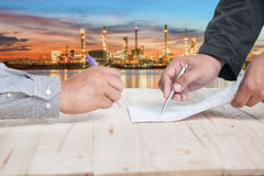Sign contract royalty free stock photography