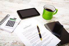 Sign a Contract Royalty Free Stock Images