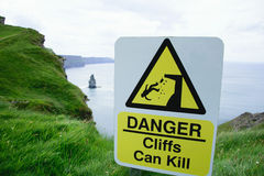 Sign: danger, Cliffs can kill Stock Photography