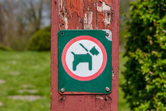 Sign with a dog in a leash Royalty Free Stock Photos