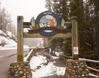 A sign marking the entrance to the banff hot springs in northern alberta stock photography