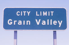 A sign that reads �city limit grain valley� Stock Image